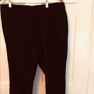 NWOT - Beautiful pair of Misses Size 16 Ankle Pant
